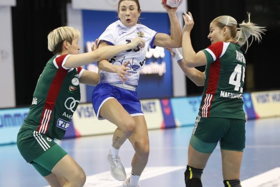 Одним из соперников россиянок стала сборная Венгрии, против которой они играли в отборочном турнире