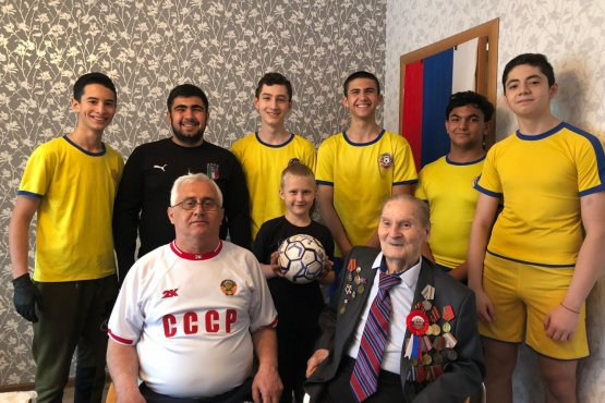 Представители команды «Текучева» в гостях у Анатолия Веселовзорова