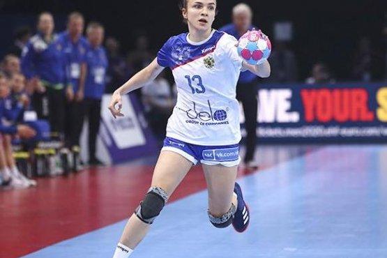 Анна Вяхирева и девять ее партнерш по клубу - кандидаты на участие в Euro-2020