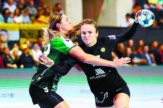 Анна Вяхирева находилась под плотной опекой соперниц, но это не помешало ей забросить пять мячей