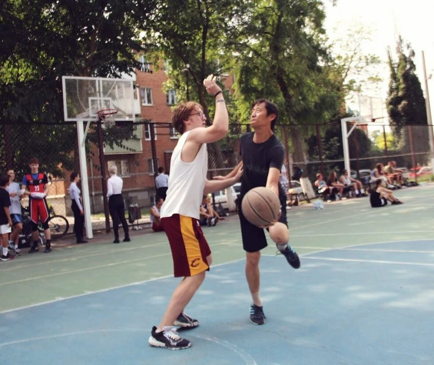 В Азове баскетболисты играли один на один