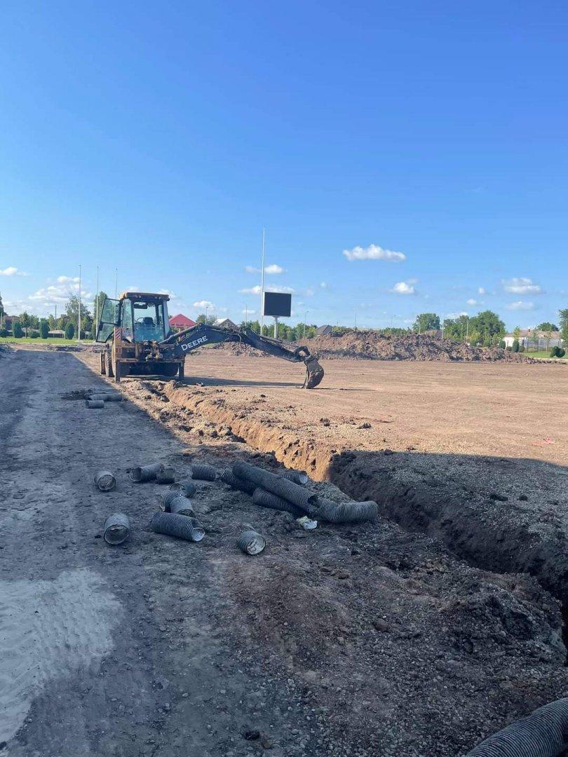 В Песчанокопском в разгаре работы по реконструкции стадиона