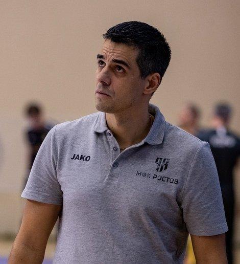 Главный тренер МФК «Ростов» Густаво