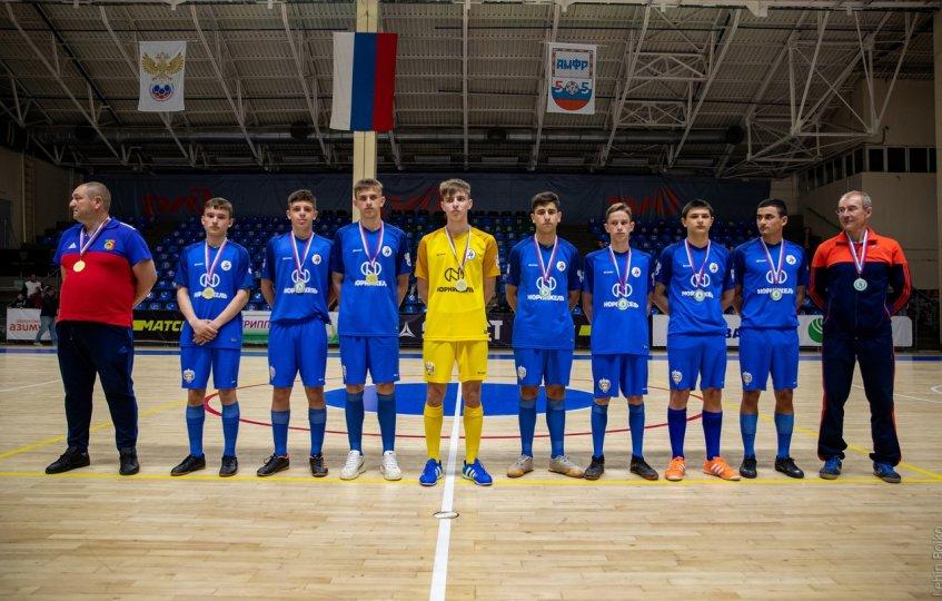 Команда миллеровской СОШ № 5 - победитель турнира «Мини-футбол - в школу»