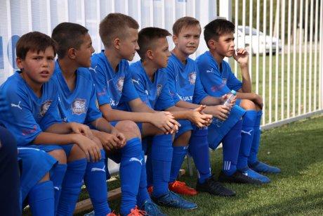 Юные воспитанники академии «Чайки» соскучились по занятиям на футбольном поле