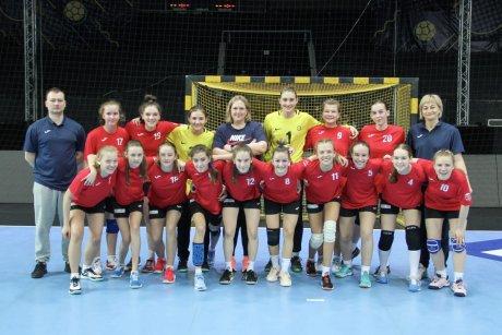 Команда девушек 2007 года рождения ростовской ДЮСШ № 13 успешно выступила в финальном турнире первенства России в Тольятти