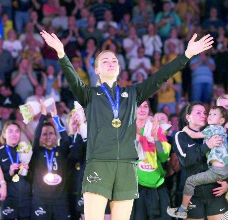 Чемпионка мира по гандболу Елена Сливинская