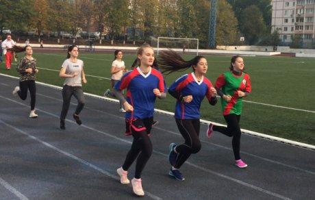 Участники легкоатлетического кросса