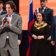 Алексей Смертин выступает на торжественном открытии фестиваля