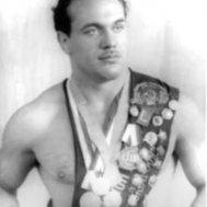 Олимпийский чемпион Валентин Николаев