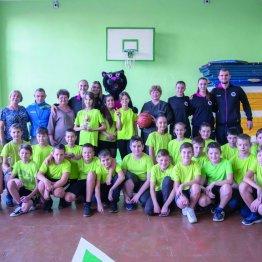 Участники баскетбольного мастер-класса