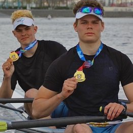 Ростовчане Ростислав Янченко и Владислав Вышкварцев - победители регаты