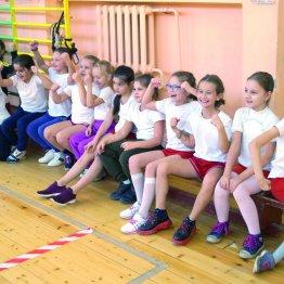 Ученики ростовской школы № 16 на сдаче нормативов ГТО