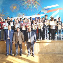 Участники и почетные гости финального турнира «Чудо-шашки»